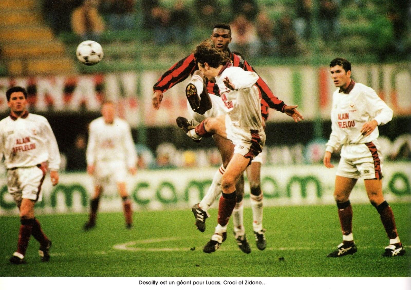 คุณจำบอร์กโดซ์ ของซีดาน, ลิซาราซู และ ดูการ์รี่ ที่หยุดความยิ่งใหญ่ของ เอซี มิลาน ในฟุตบอลยุโรปได้หรือไม่? มุมสบายๆ