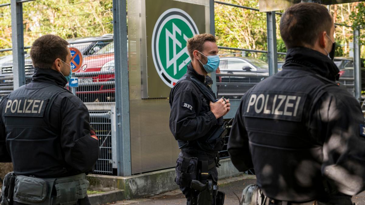 สำนักงานสมาคมฟุตบอลเยอรมัน ถูกตรวจพบว่าฉ้อโกงเรื่องภาษี หัวข้อ